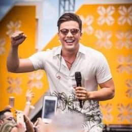 Assista a 'Ar Condicionado No 15', primeiro vídeo do DVD Ws In Miami Beach